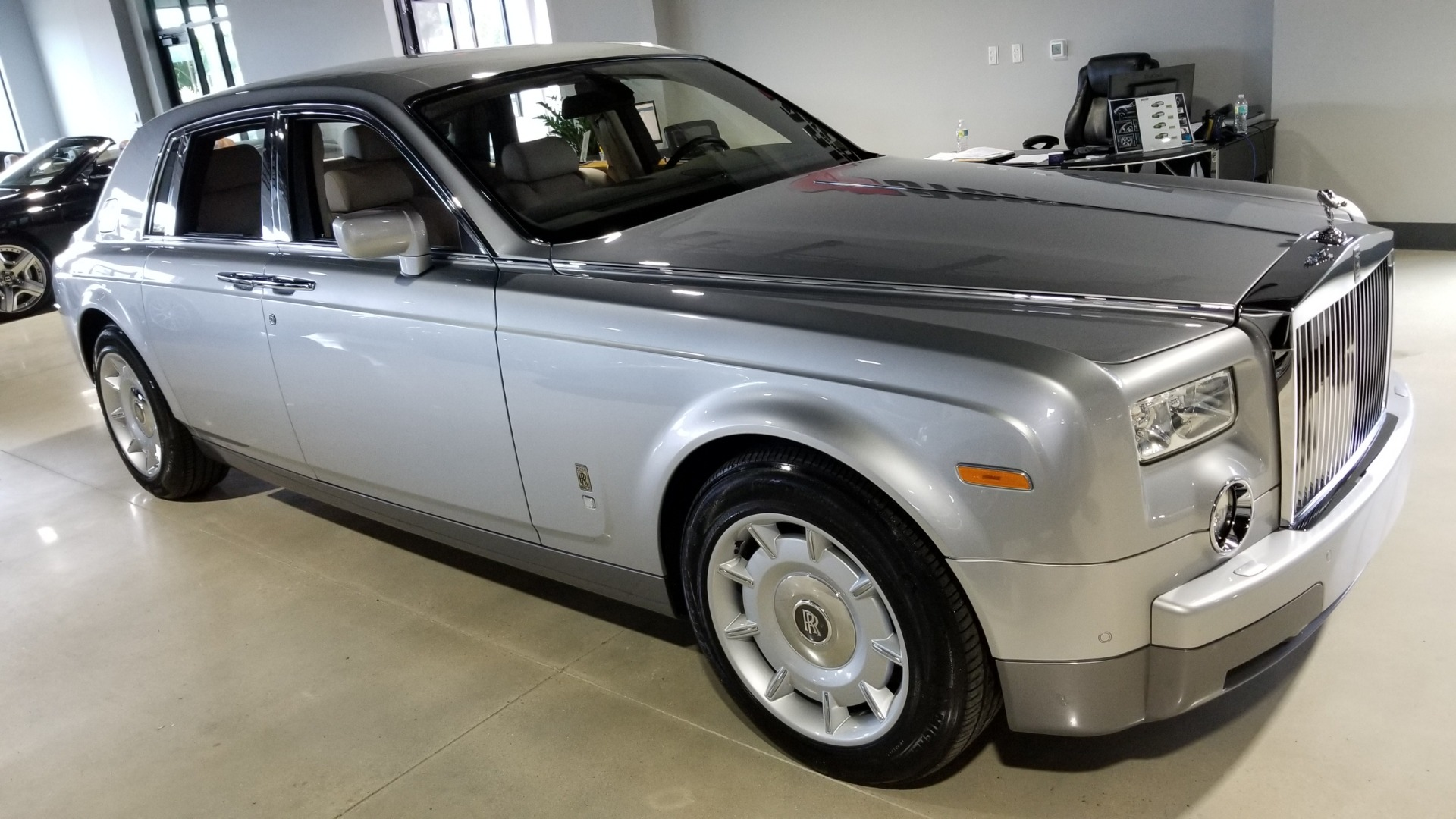 Used-2004-Rolls-Royce-Phantom