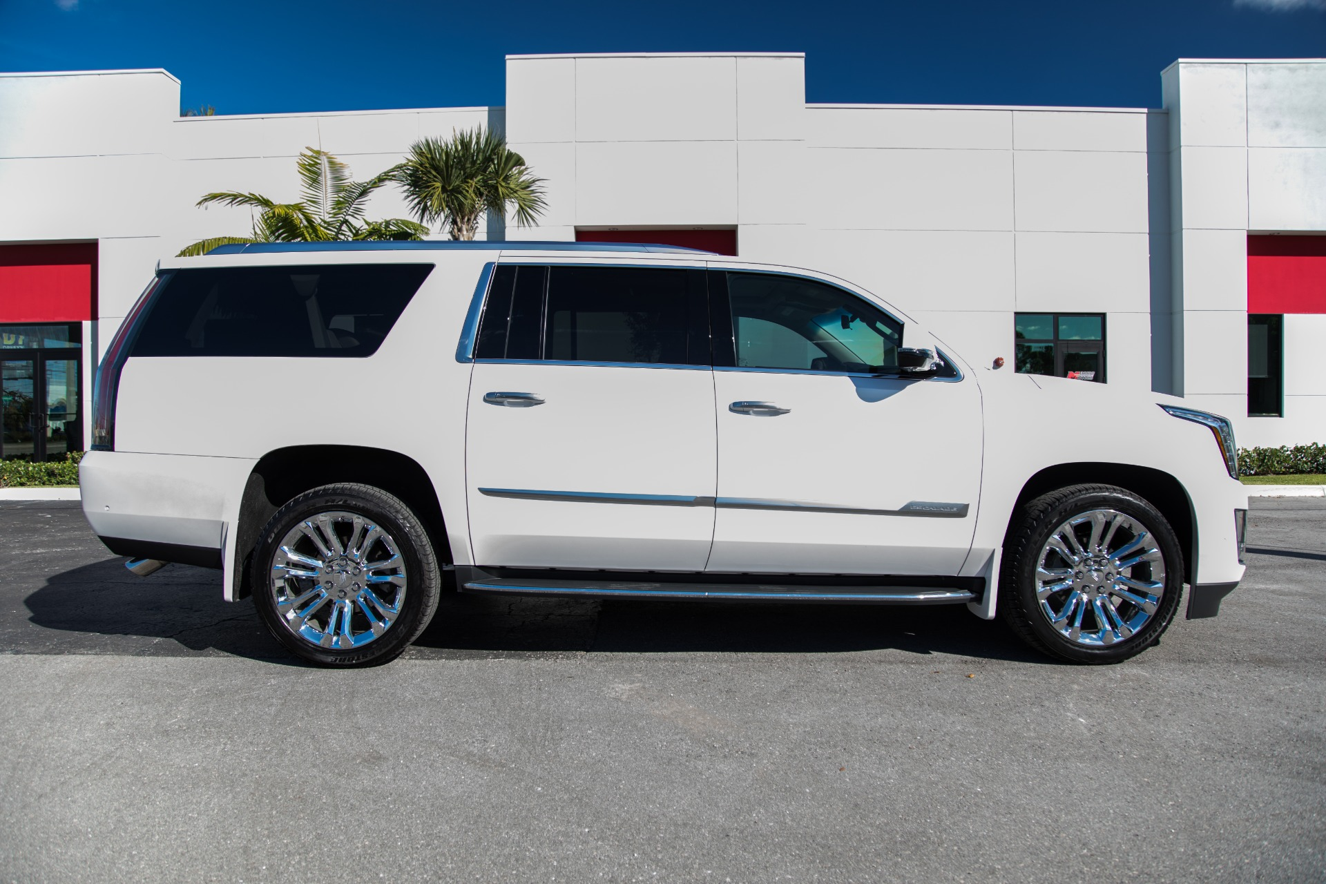 Used 2017 Cadillac Escalade ESV Luxury For Sale ($63,900 ...