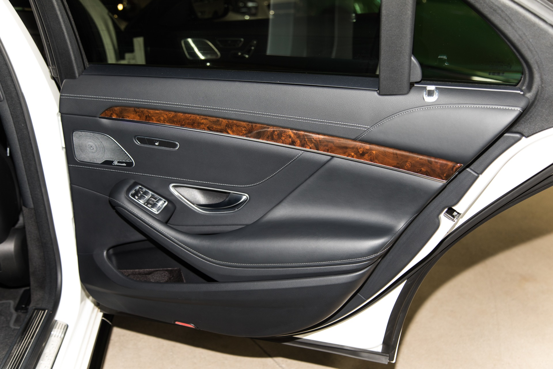 Used-2014-Mercedes-Benz-S-Class-S-550