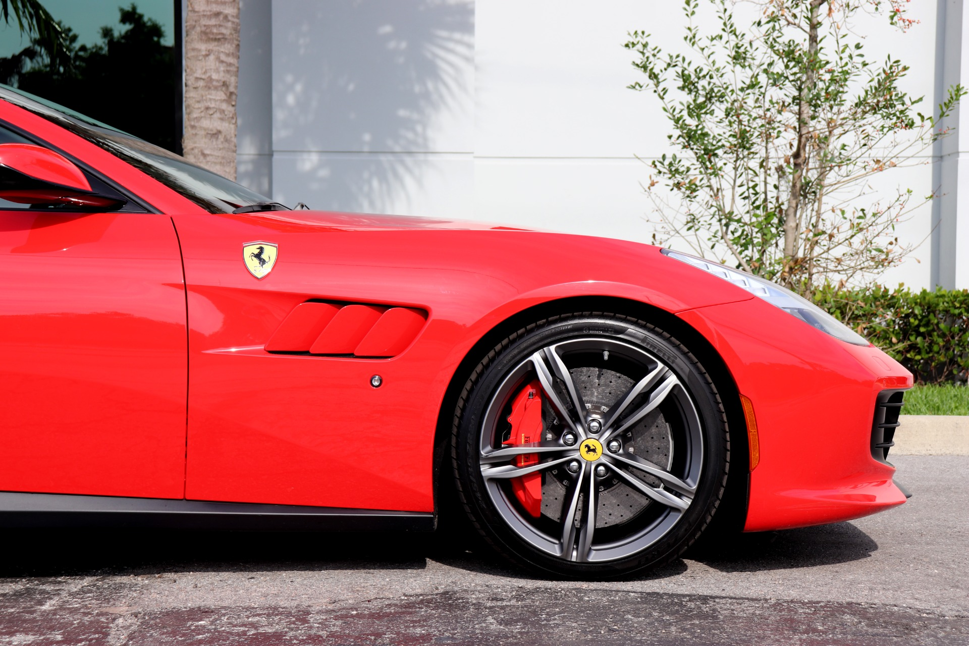 Used-2017-Ferrari-GTC4Lusso