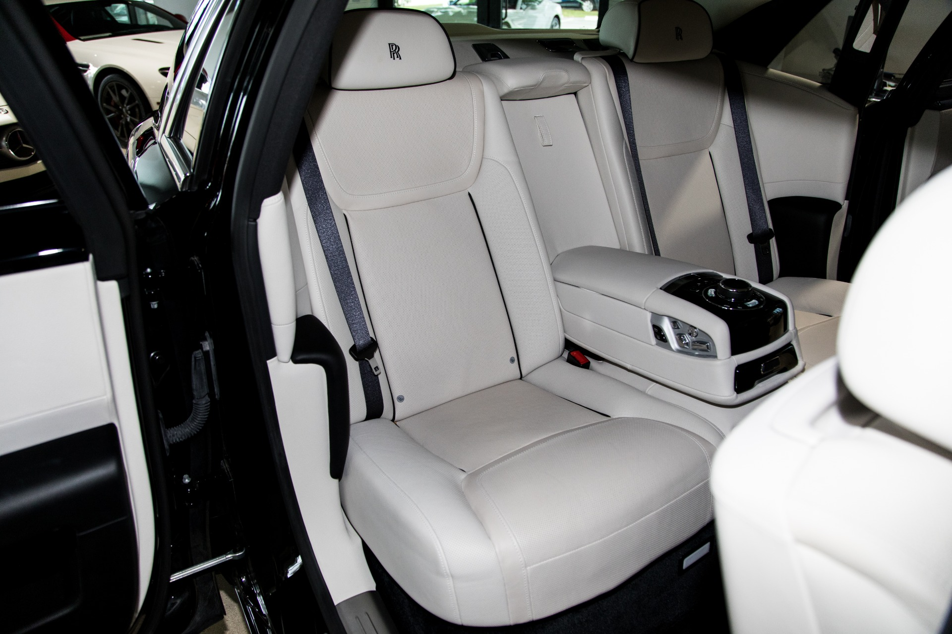 Used-2015-Rolls-Royce-Ghost-EWB