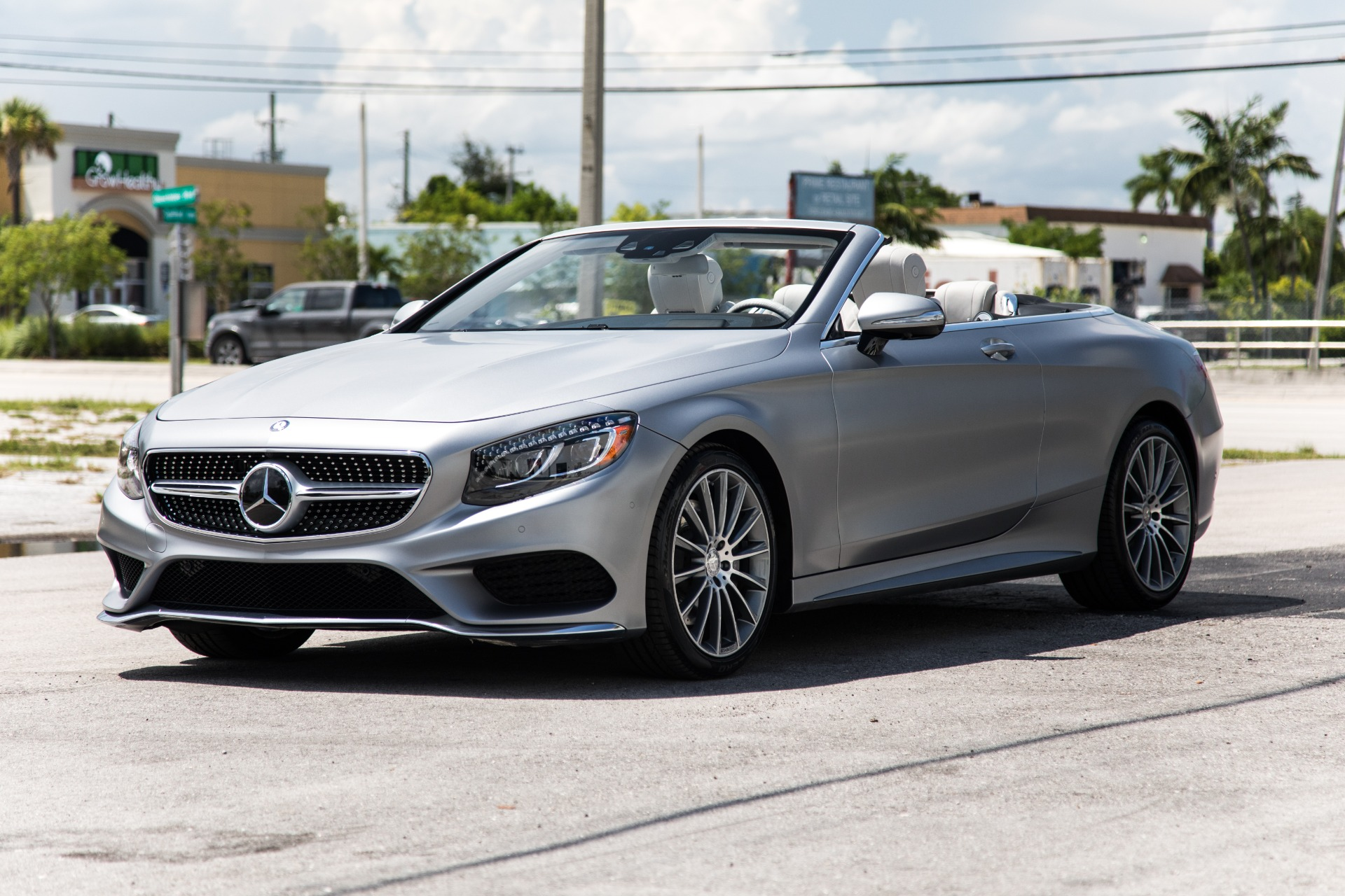 Used-2017-Mercedes-Benz-S-Class-S-550