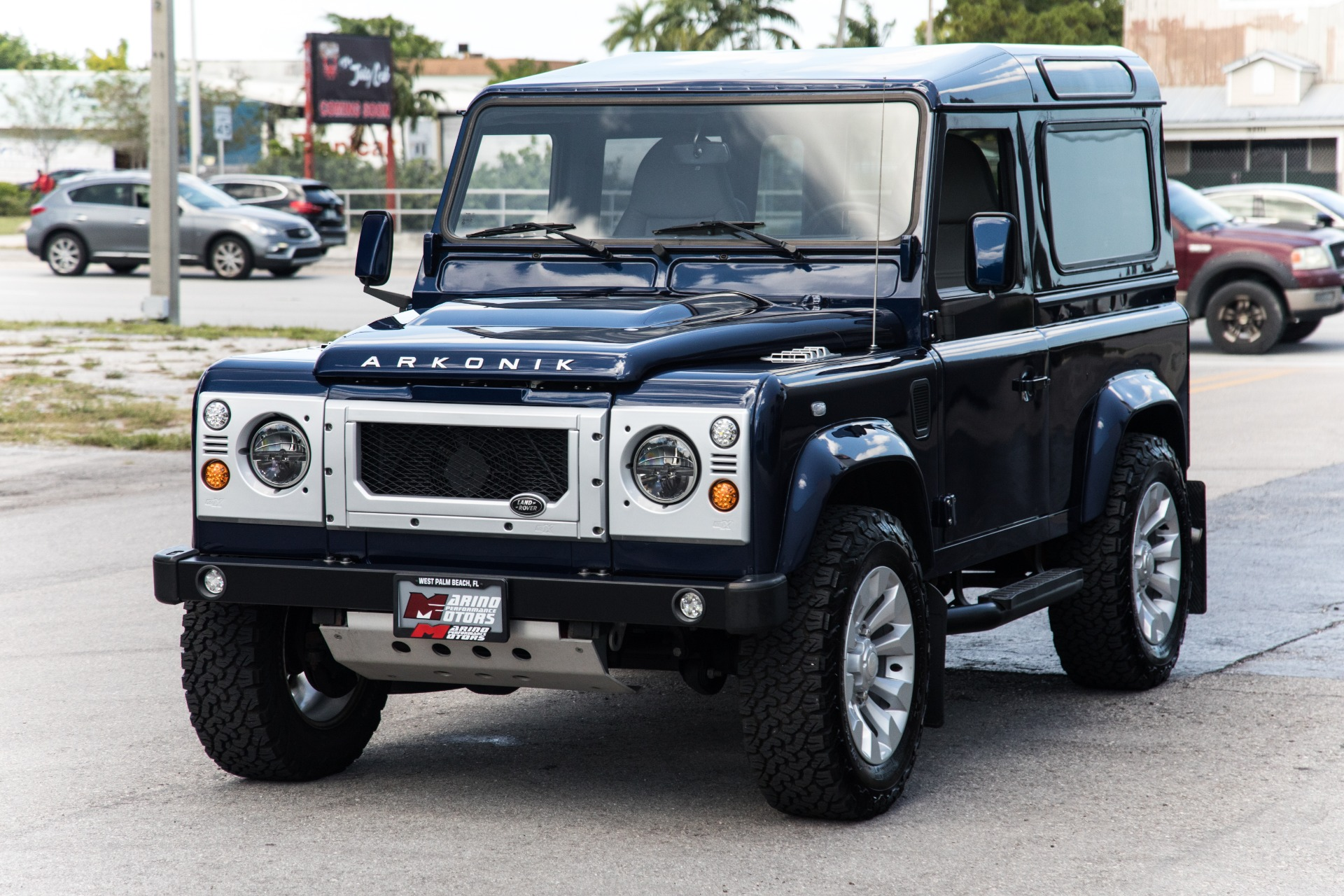 Used-1991-Land-Rover-D90-Defender