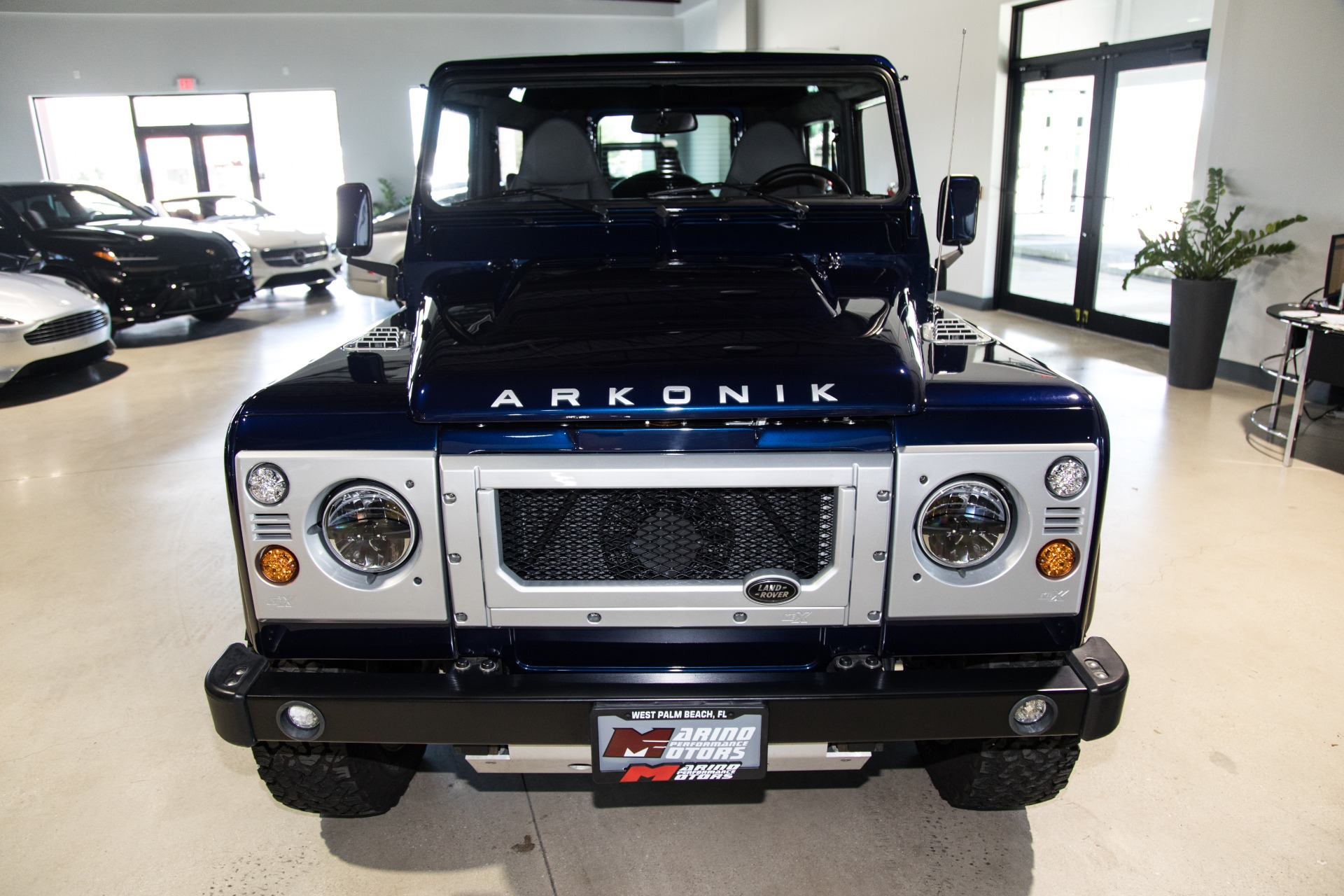 Used-1990-Land-Rover-D90-Defender