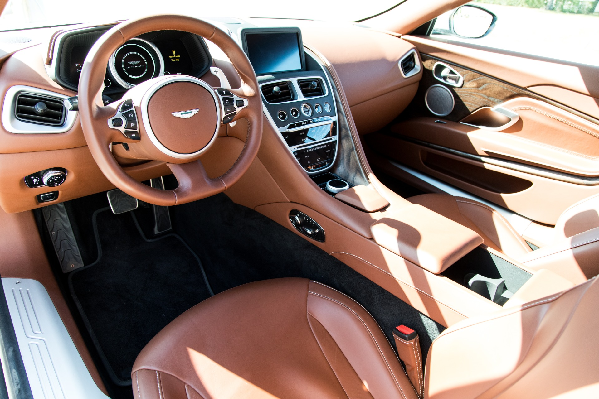 Used-2018-Aston-Martin-DB11-V8