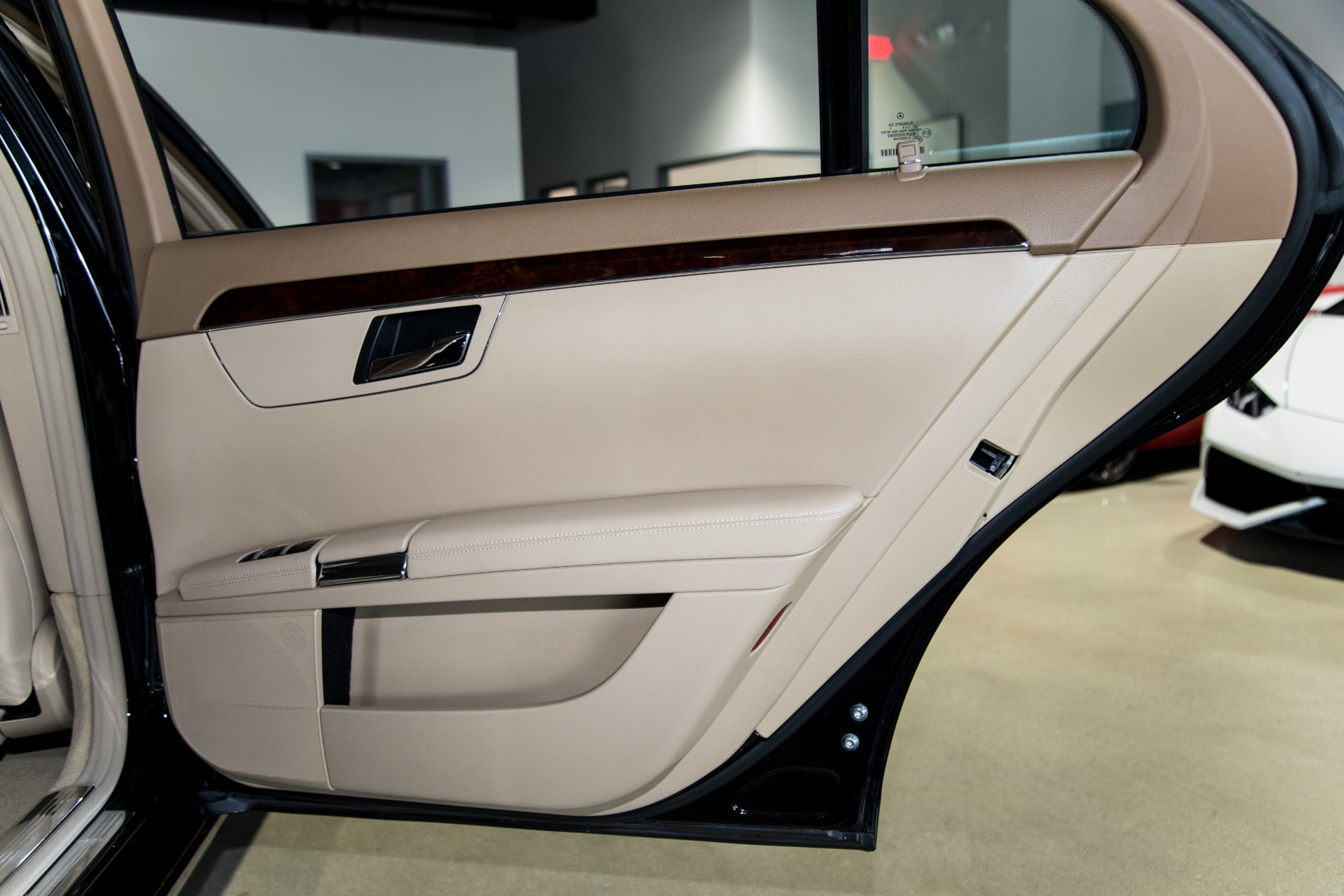 Used-2012-Mercedes-Benz-S-Class-S-400-Hybrid