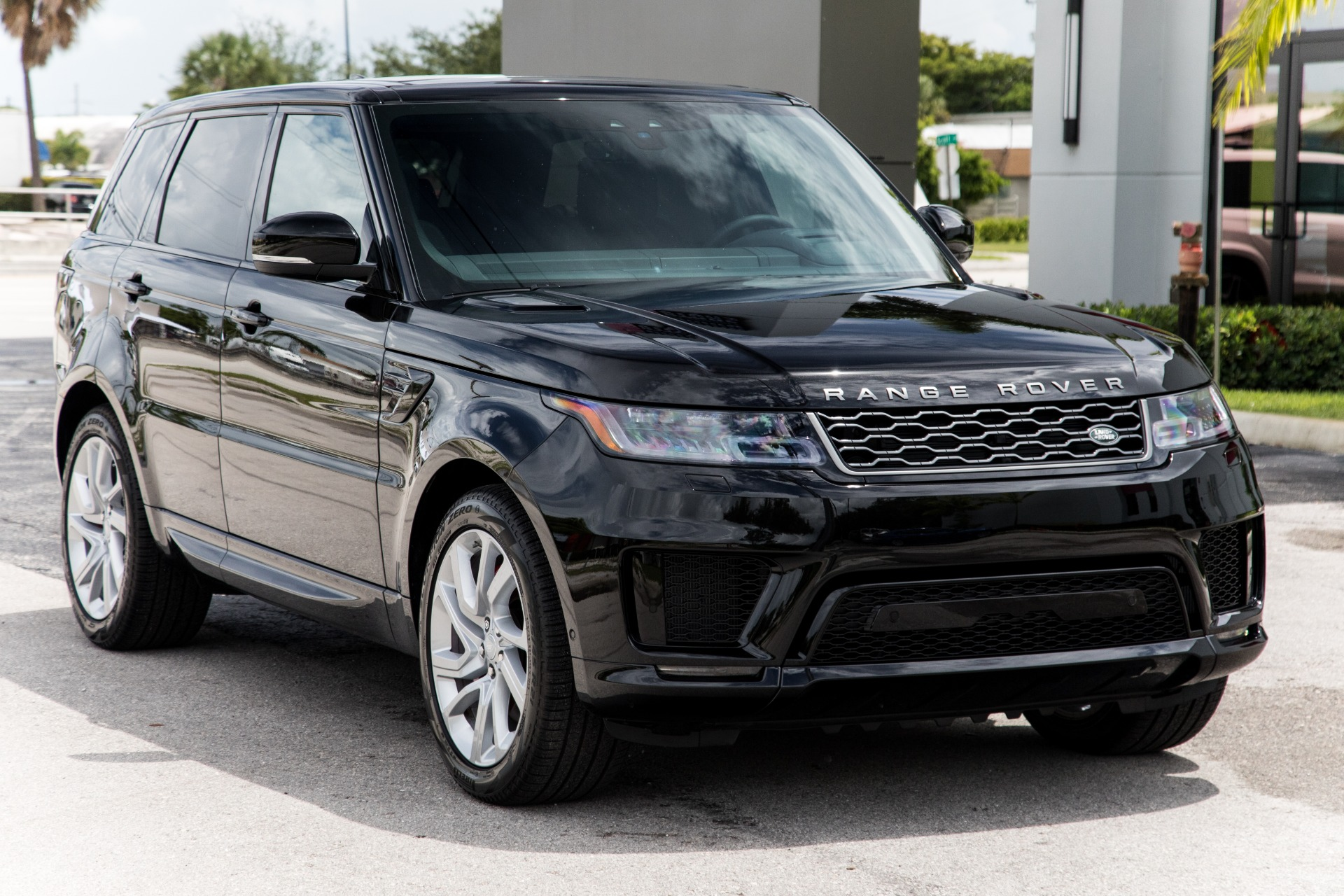 Used-2020-Land-Rover-Range-Rover-Sport-P525-HSE-Dynamic