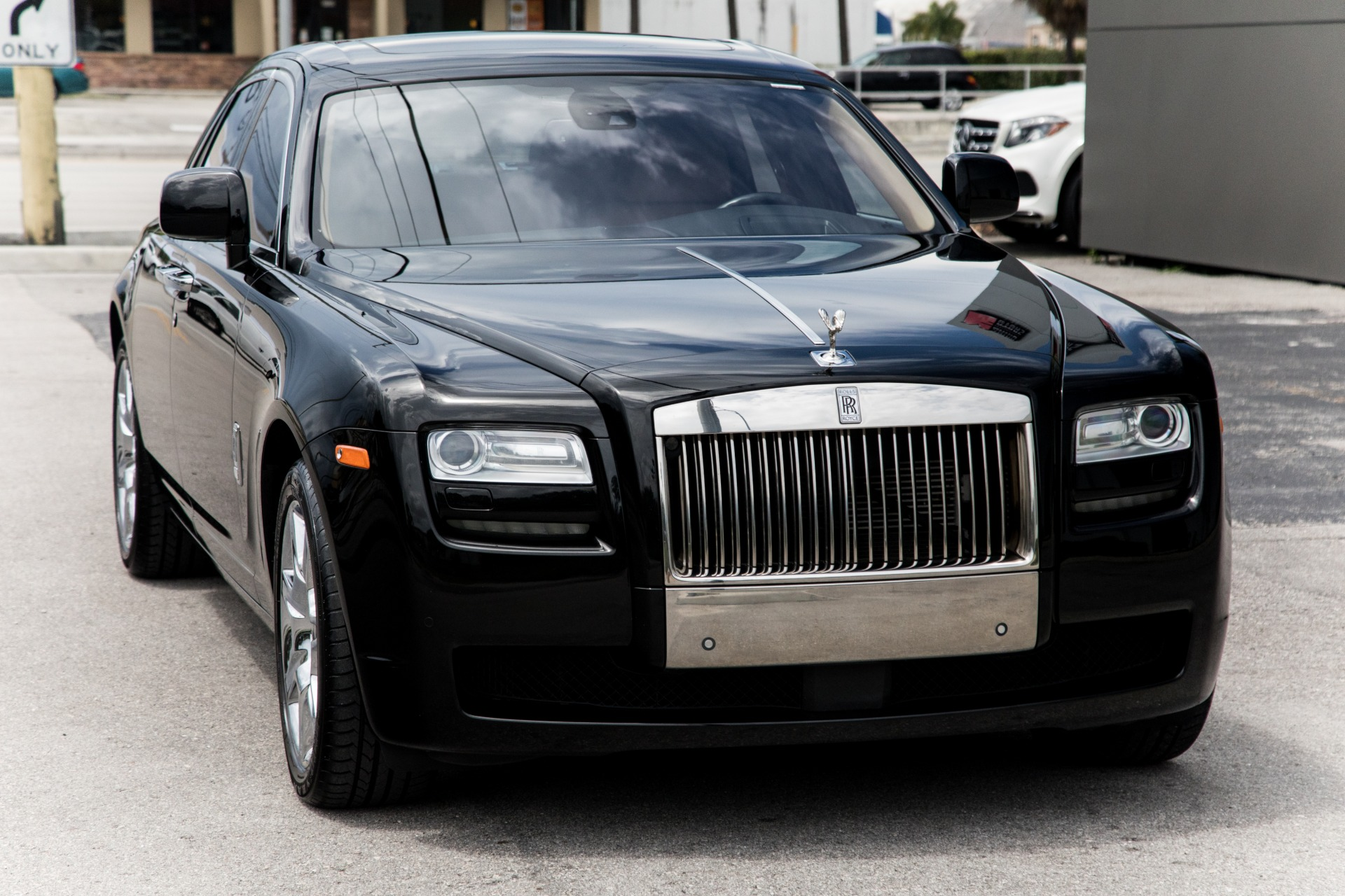 Used-2011-Rolls-Royce-Ghost