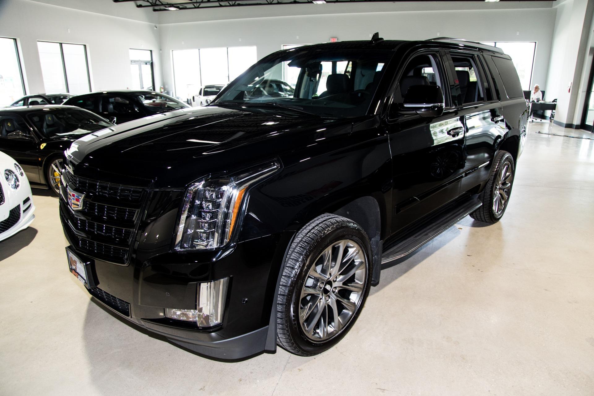 Used-2019-Cadillac-Escalade-Luxury