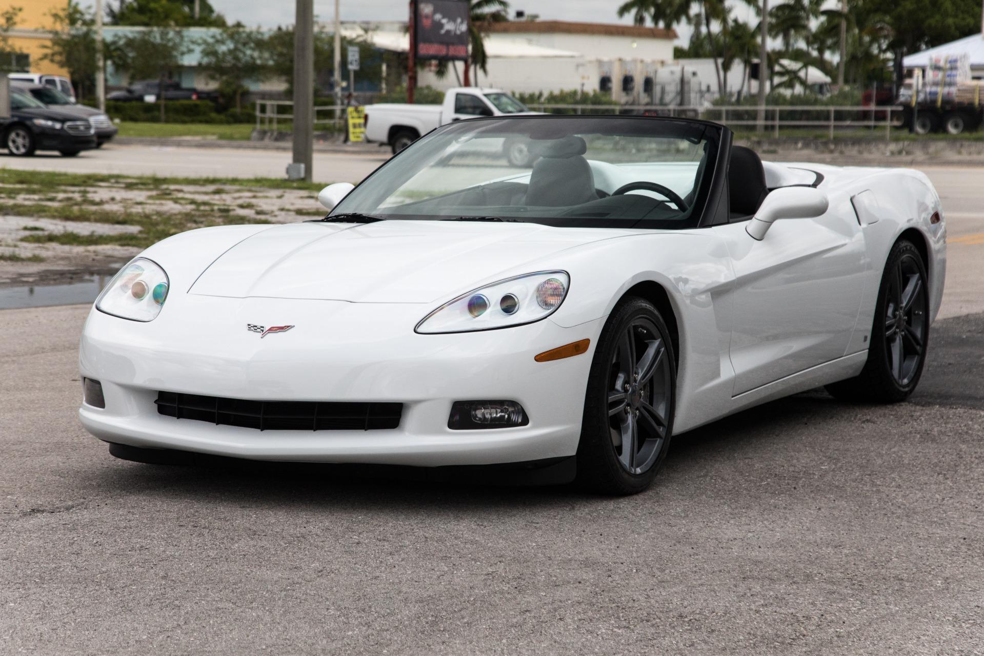 Used-2008-Chevrolet-Corvette-Base