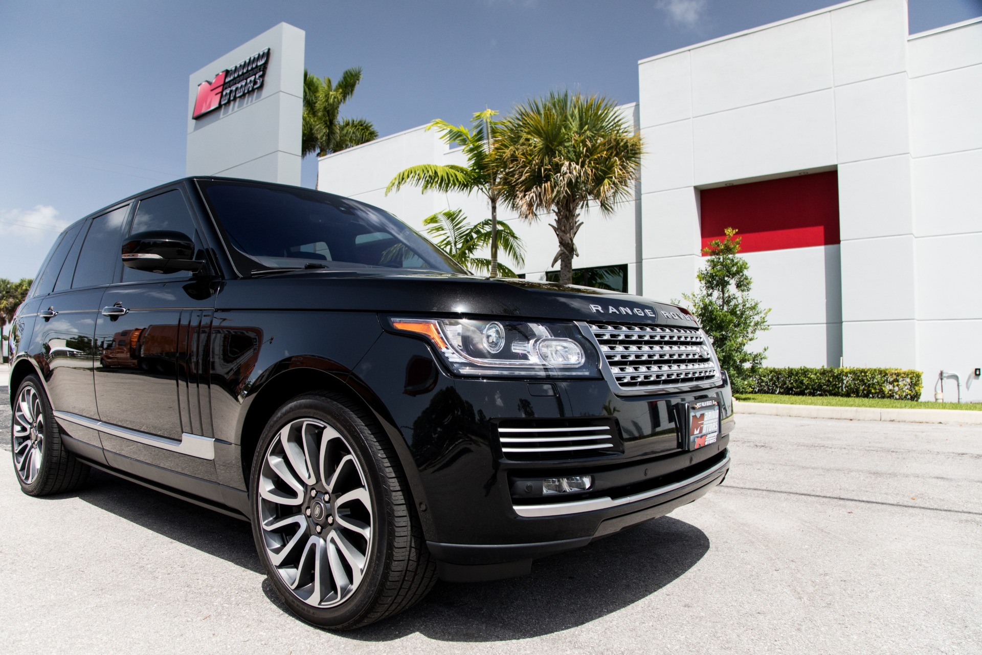 Used-2017-Land-Rover-Range-Rover-Autobiography