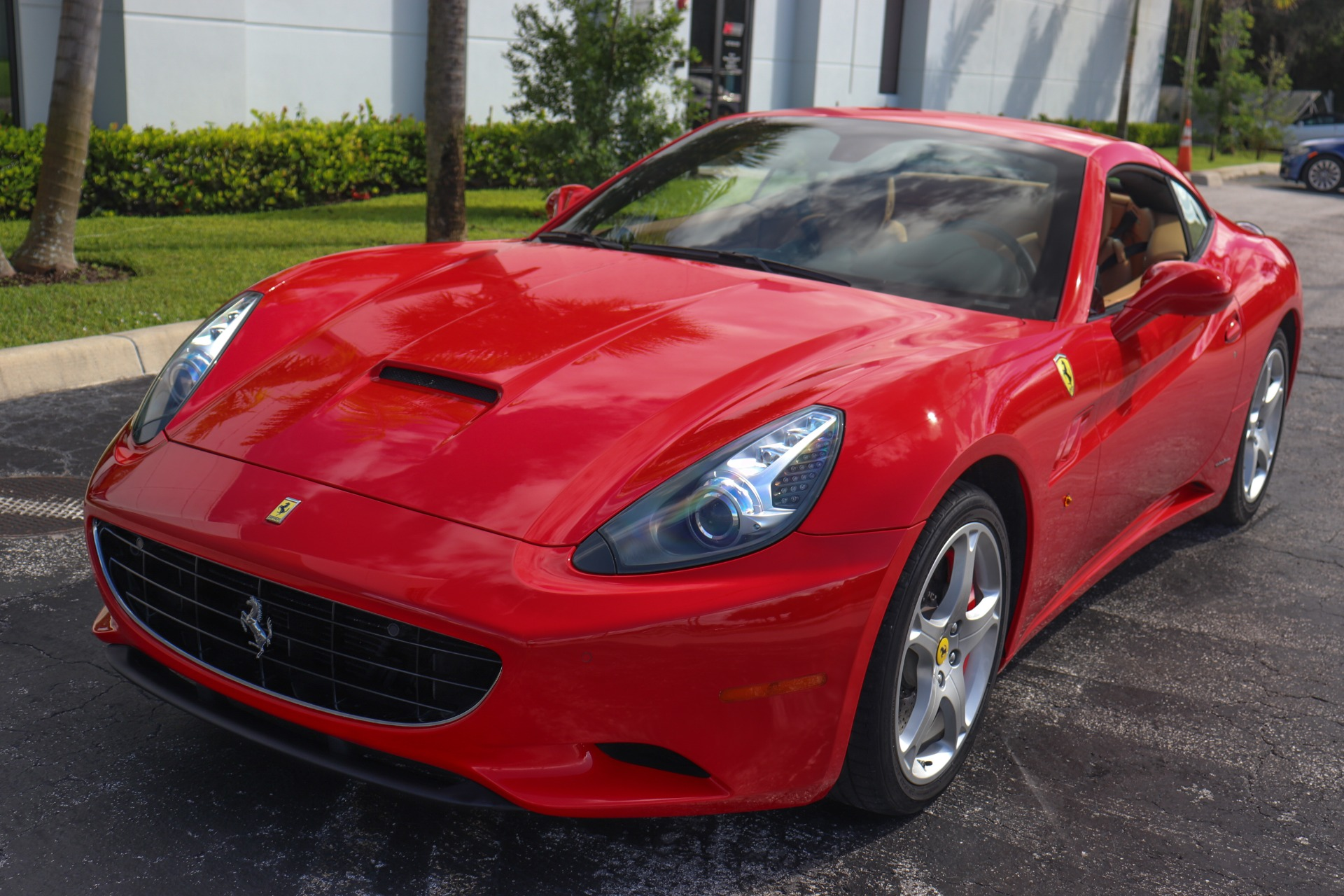 Used-2010-Ferrari-California