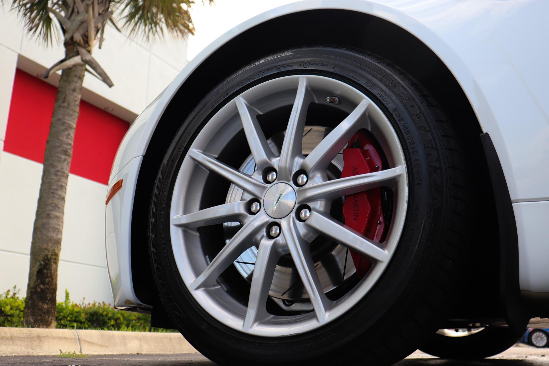 Used-2008-Aston-Martin-V8-Vantage-Roadster