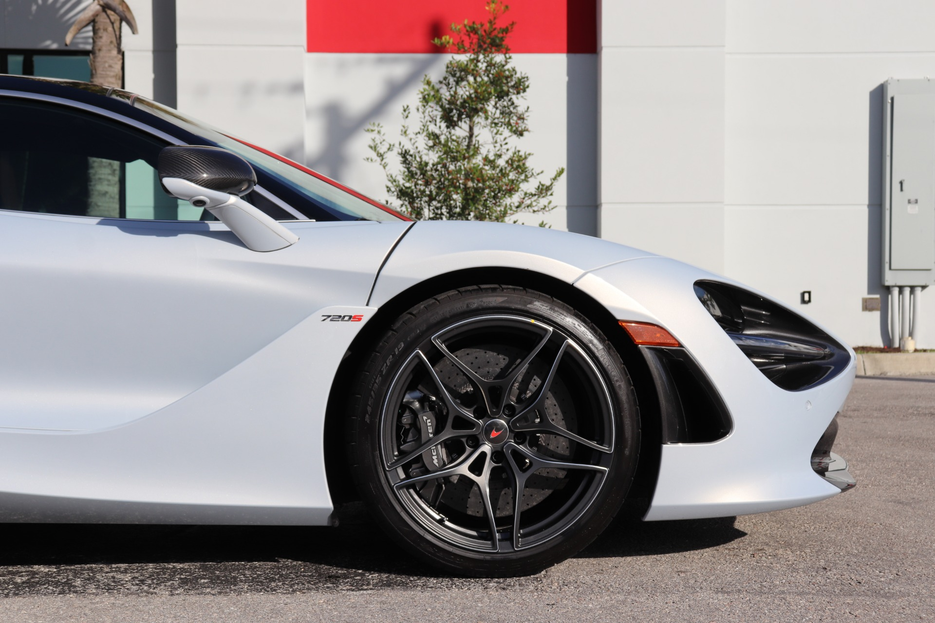 Used-2018-McLaren-720S-Luxury