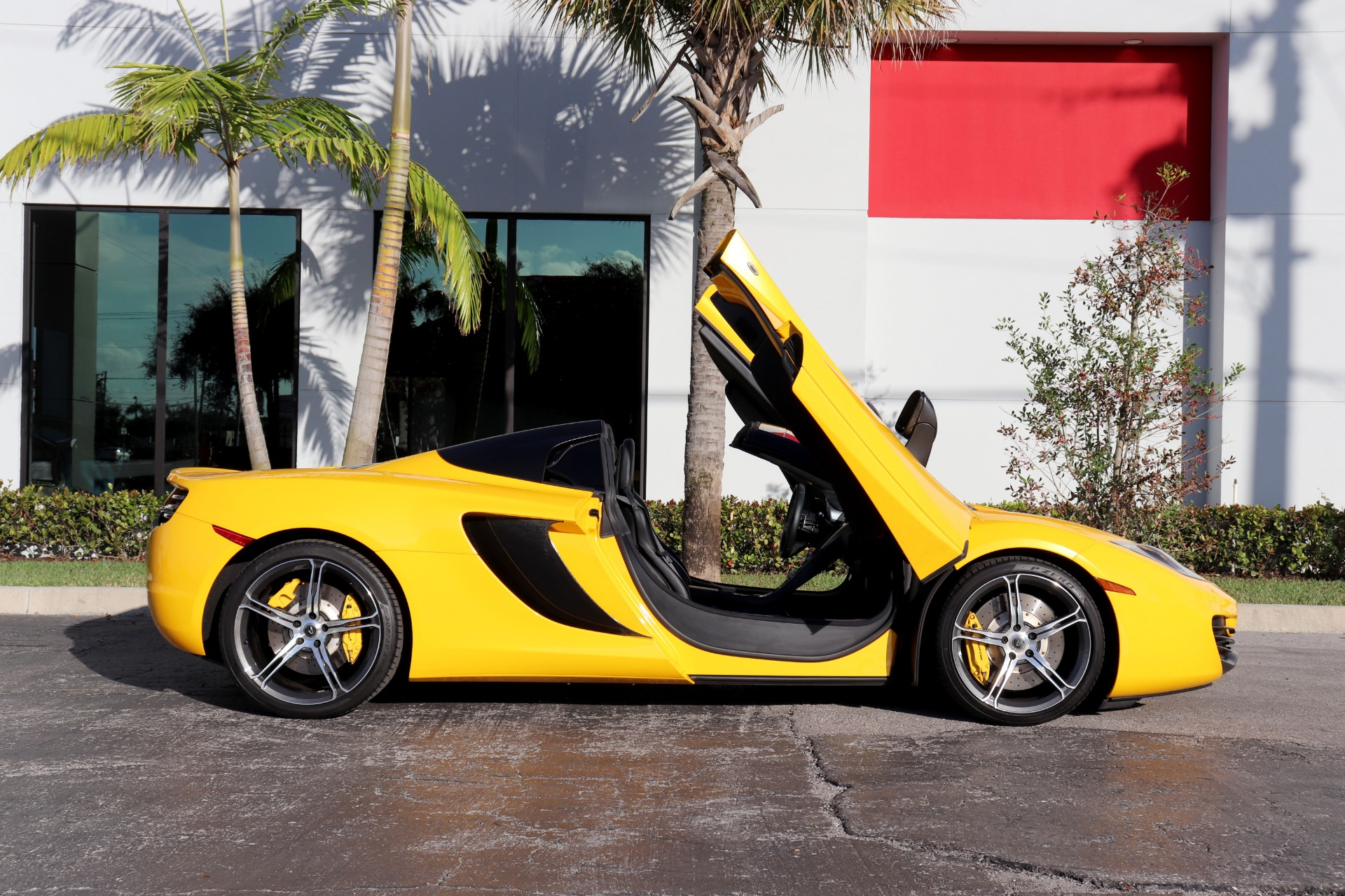 Used-2014-McLaren-MP4-12C-Spider