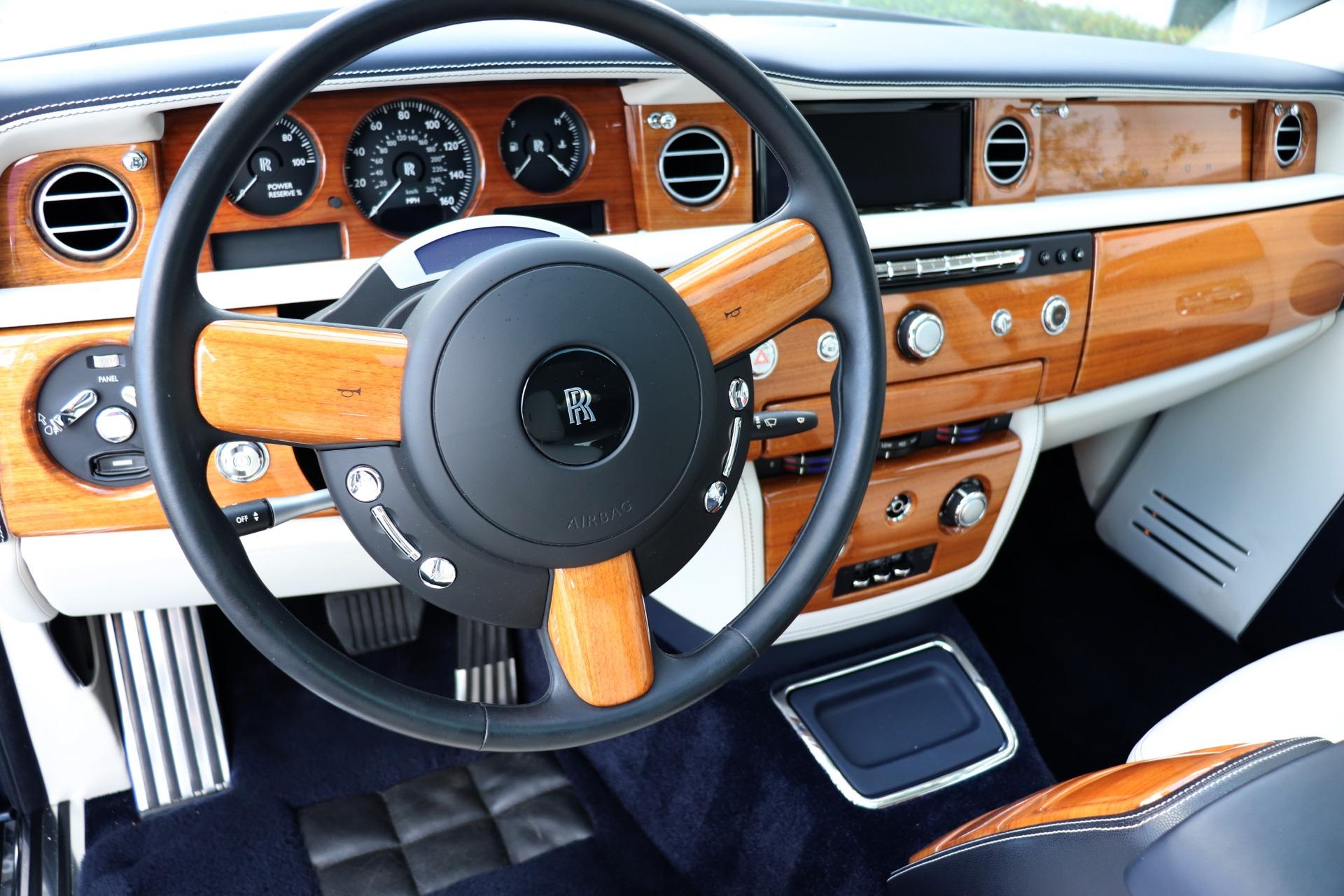 Used-2016-Rolls-Royce-Phantom