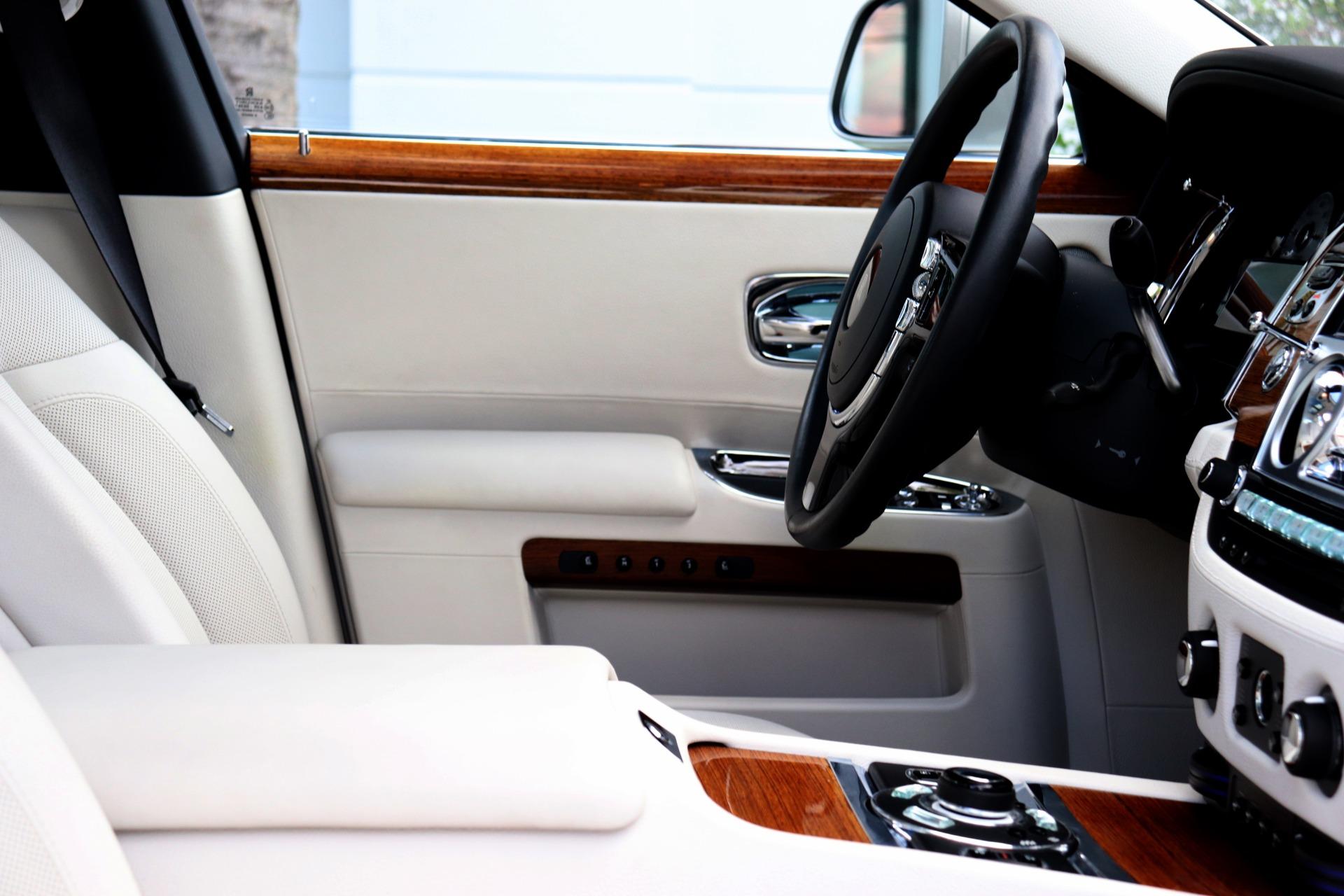 Used-2012-Rolls-Royce-Ghost